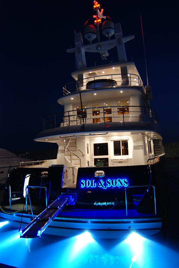 SV10 Underwater lights Nordhavn Yachts